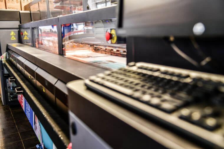 Druck der Großflächenplakate - Printpiloten GmbH